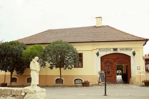 reštaurácia Oroszlános vchod